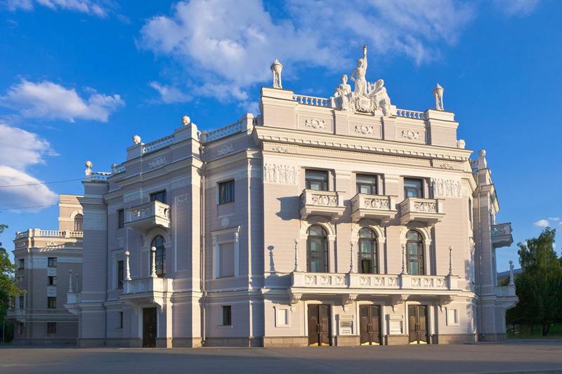 Картинки по запросу театр оперы и балета екатеринбург